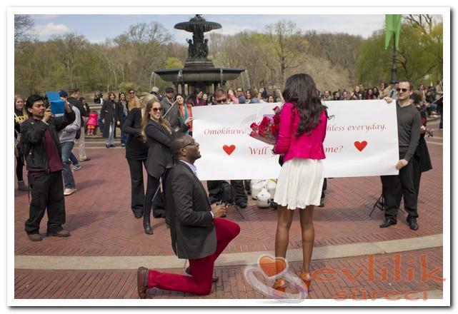 İlginç Evlenme Teklifleri Hoş Olmakta