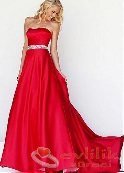 Çok Zarif Uzun Nişan İçin Kırmızı Renkli Abiye Modelleri