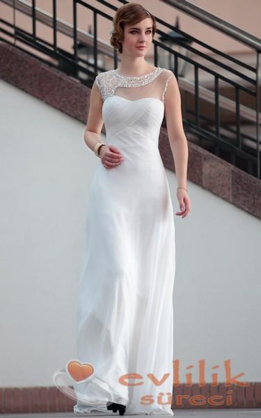 Nişan İçin Çok Zarif Beyaz Abiye Modeli