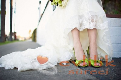 Rengarenk Ayakkabı Modelleri