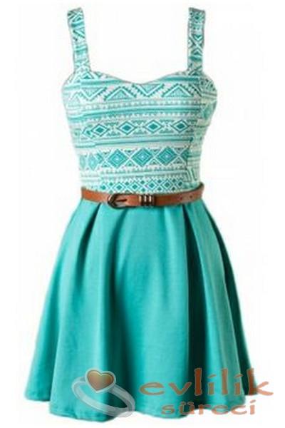 Kemerli ve askılı elbise modeli