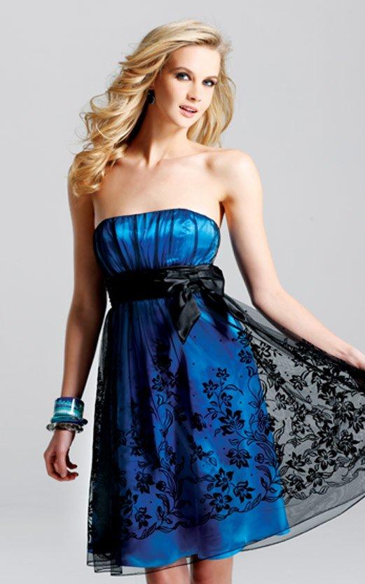 Siyah tül süslemeli mavi kısa abiye modeli