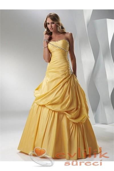 Canlı reklerle tercih edilen söz için elbise modelleri