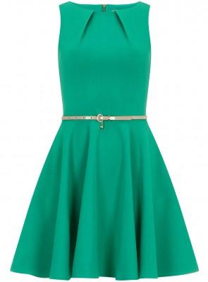 Nişan için zümrüt yeşili kloş elbise modeli