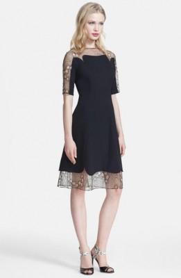 Tül süslemeli kloş elbise modeli