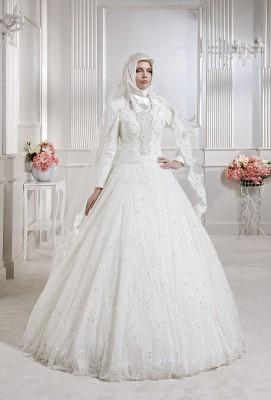 Fransız dantel detaylı çok zarif tesettür prenses gelinlik modelleri