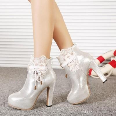 Yüksek Topuklu Dantel Süslemeli Gelin Ayakkabı Modelleri