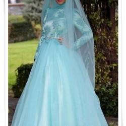 En Gösterişli Tesettür Nişan Elbise Modelleri