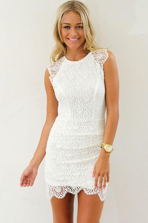 Güpürlü Beyaz Söz Elbiseleri