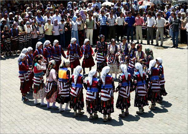 Karadeniz Bölgesinde En Güzel Düğün Adetleri