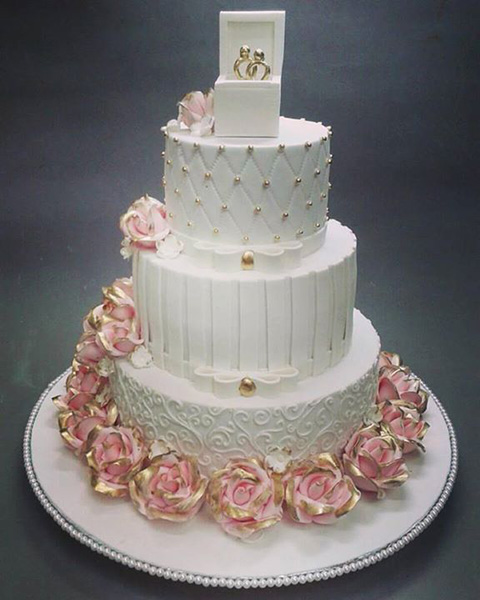 En Gösterişli Nişan Pastası