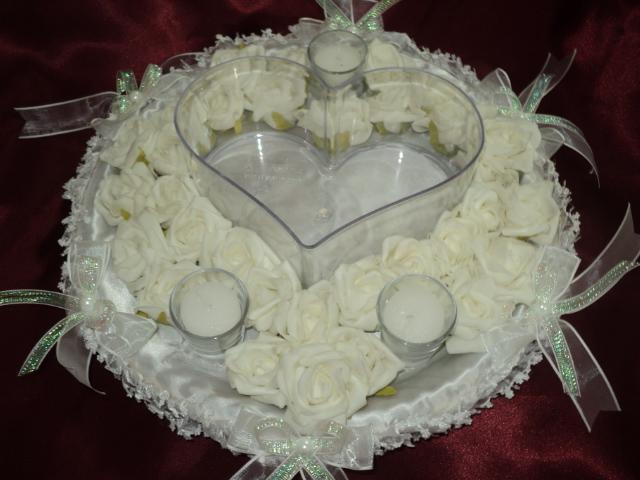 Beyaz Renkli Kalp Detaylı Çok Şık Kına Tepsisi Modeli