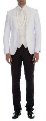 Beyaz Ceket ve Siyah Pantolon Tercihinde Bulunduğunuz Smokin Damatlık Modelleri 2017