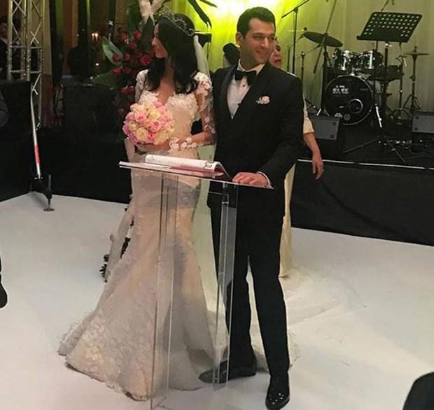 Murat Yıldırımın Eşi Faslı İmane Elbanini Gelinliği