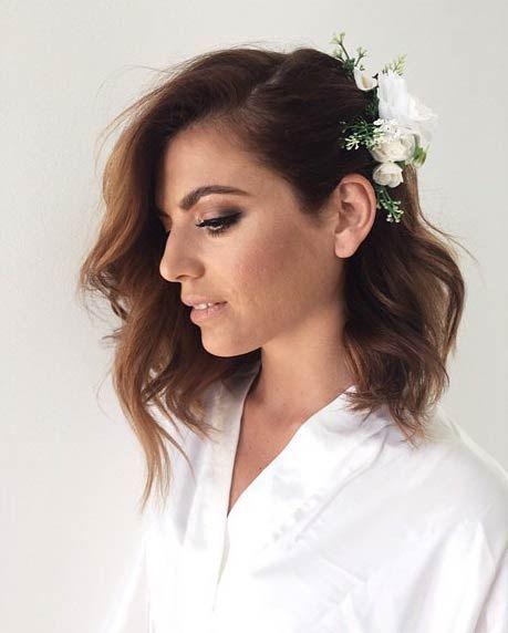 Çiçek Detaylı Söz Saç Modelleri