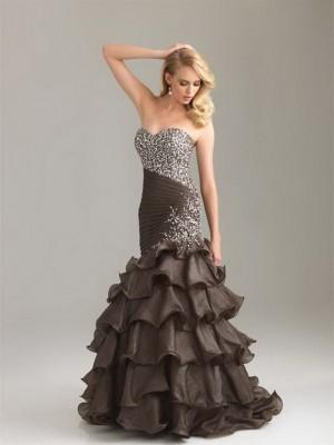 Çok Şık Kabarık Elbise Modeli
