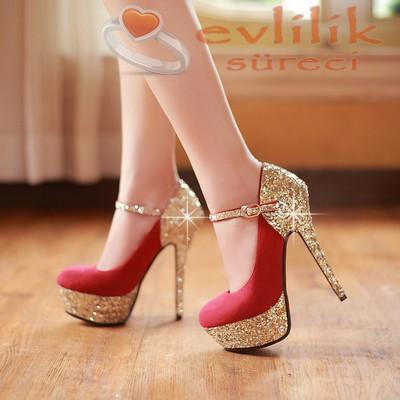 Bu yılın modası nişan ayakkabı modeli, kırmızı ve çok zarif süslemeli