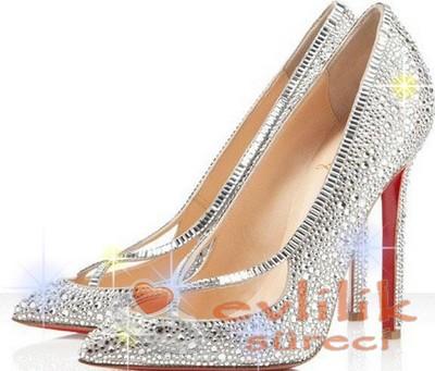 Muhteşem ve Göz Alıcı Güzellikteki Gelin Ayakkabı Modeli