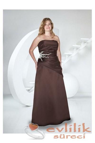 Çok zarif kilolular için nikah elbise modelleri