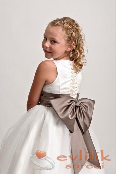 En Şeker Çocuk Gelinlik Modelleri