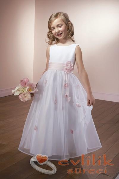 En Güzel Çocuk Gelinlik Modelleri
