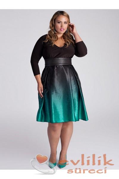 Muhteşem bir kombin, kilolular için elbise modelleri