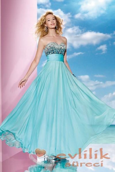 Çok hoş söz için tercih edebileceğiniz elbise modeli