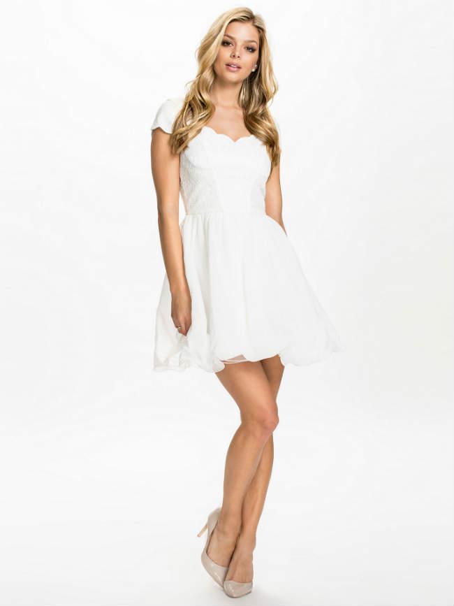 En güzel nişan elbise modelleri