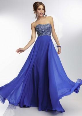 Uçuşan Kumaşlı Çok Zarif Mavi Nişan Elbise Modelleri
