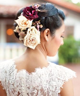 Çiçek Süslemeli Gelin Saç Modelleri