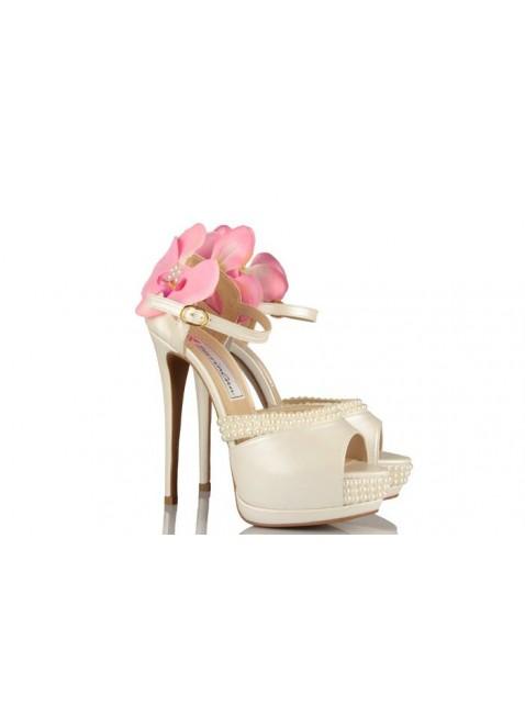 Pembe Çiçek Tasarımlı Oleg Cassini Gelin Ayakkabıları