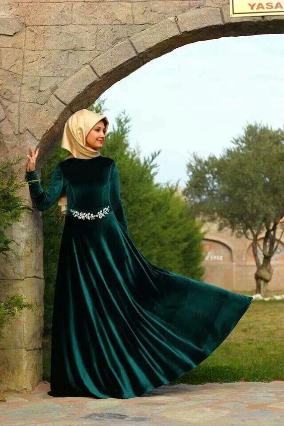 Parlak Kemerli Kadife Tesettür Söz Elbiseleri